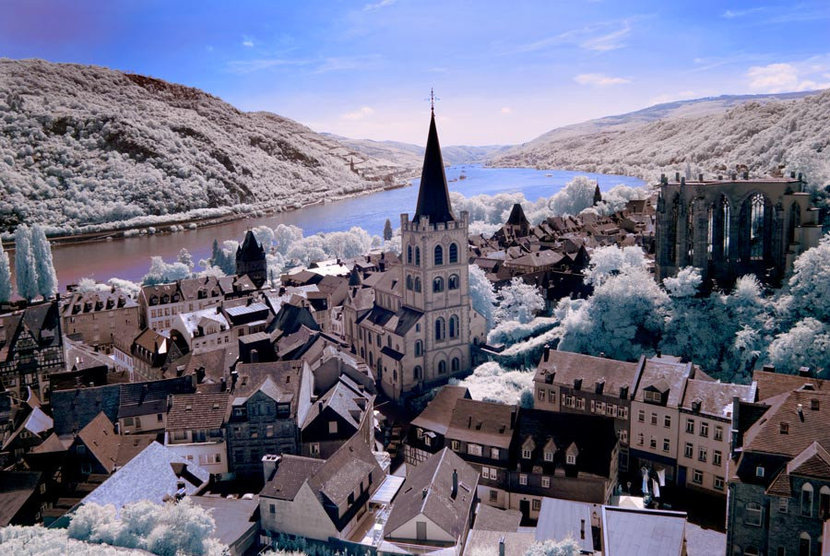 Bacharach And The Rhine River, Germany Mural Wallpaper