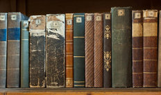 Row Of Vintage Books Mural Wallpaper