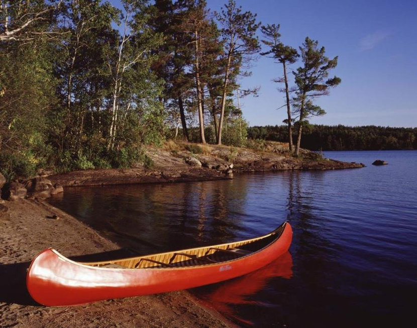 Canoe on the bank of the North Shore