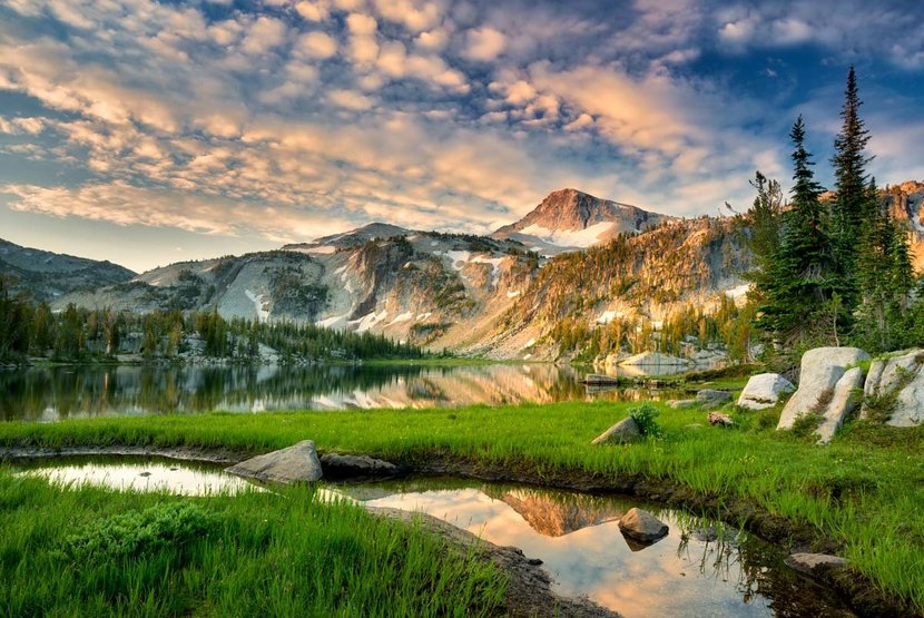 Evening-Reflection-Over-Mirror-Lake-Wall-Mural.jpg