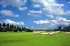 Beautiful Day Golf Course Mural Wallpaper