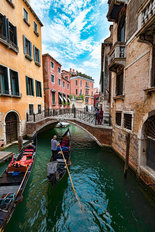 Like a Painting of Venice Mural Wallpaper