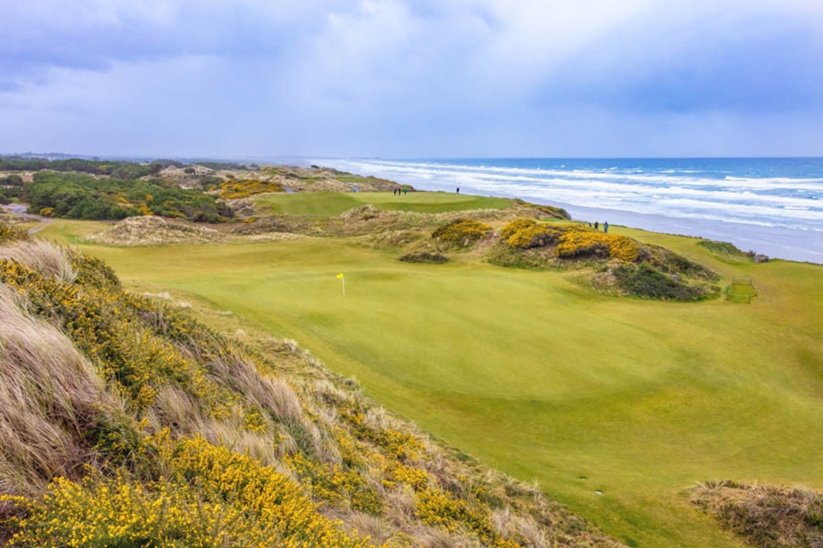 Pacific Dunes, Hole #10 Mural Wallpaper