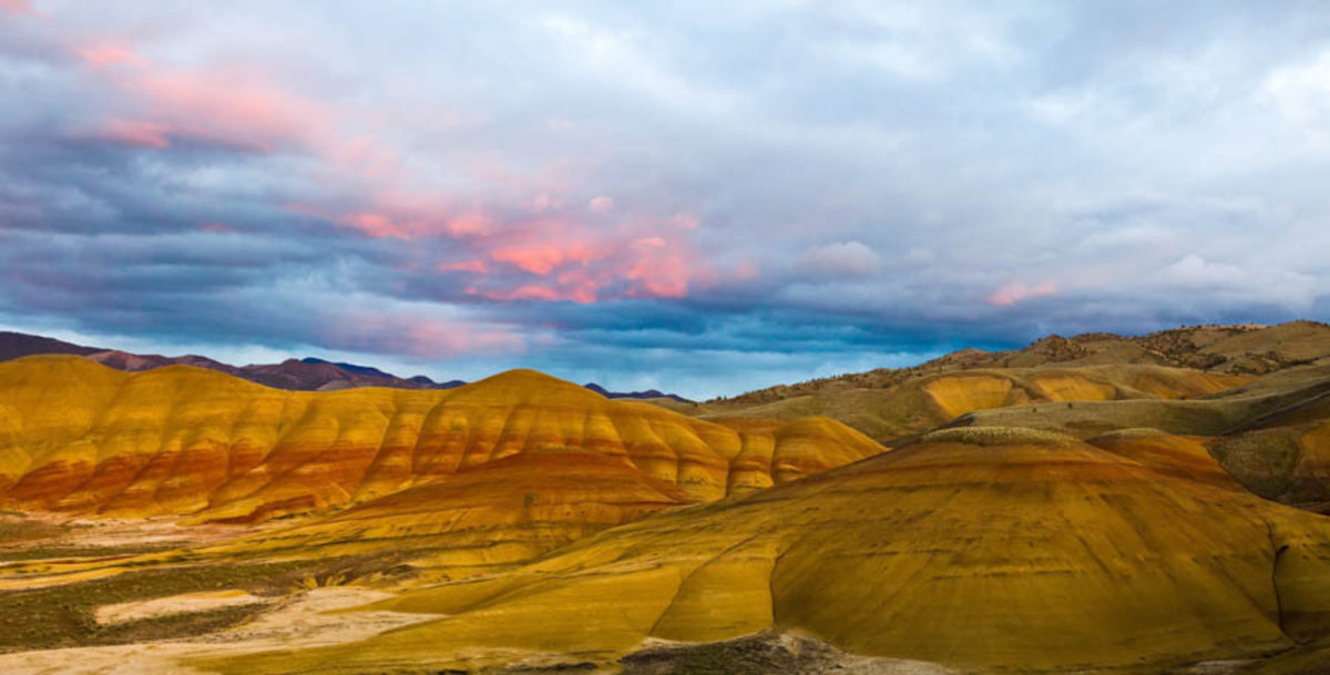 Painted Hills At John Day Fossil Beds National Monument Mural Wallpaper
