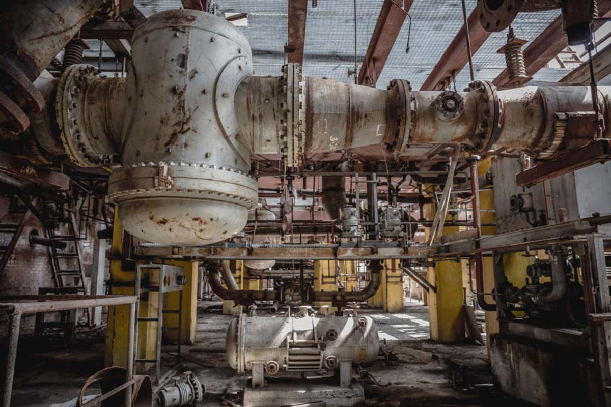 Metal Fuel and Power Generation Equipment in Abandoned Factory